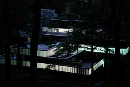 Fallingwater video mapping by Luftwerk 2011